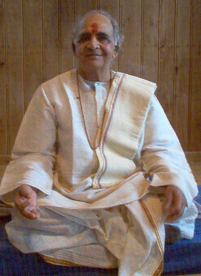 Acharya Vagish Shastri in 2005